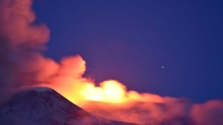 Etna New Paroxysm! 21 may 2016 at dawn - Nuovo parossismo, alba 21 maggio 2016