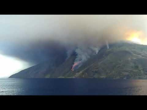 Nuova forte esplosione sullo Stromboli