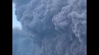 Stromboli, la nuova eruzione: le impressionanti immagini dal mare